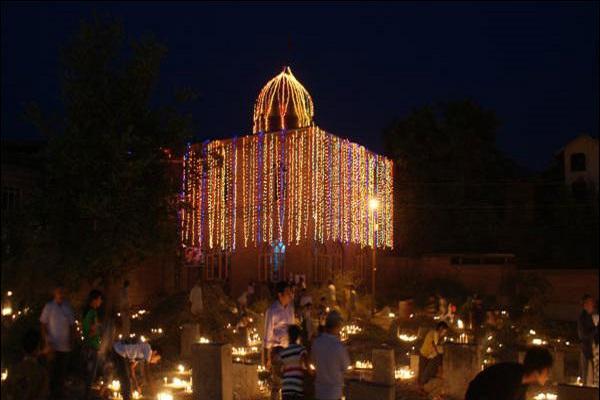 برگزاری جشن «شب برات» در کشمیر