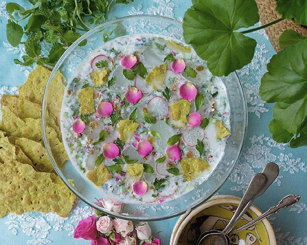 طرز تهیه آبدوغ خیار را در گرمای تابستان از دست ندهید
