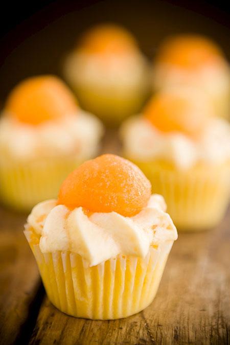 بهترین و سادهترین کاپ کیکهای خانگی با میوههای تابستانی