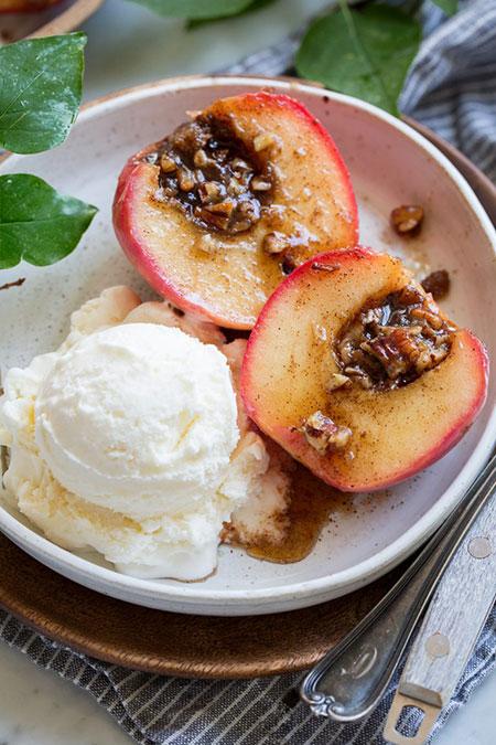 خوشامدگویی به پاییز با دسر سیب پخته
