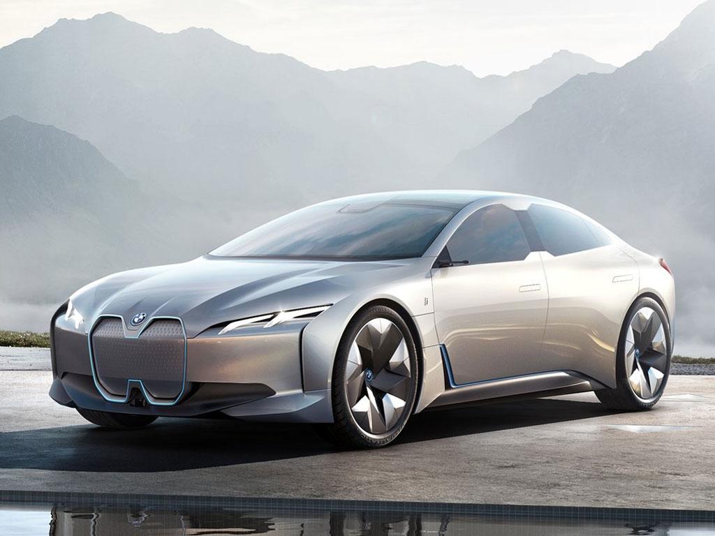 بررسی فنی خودرو از مشخصات بامو i۴ جدید + مشخصات