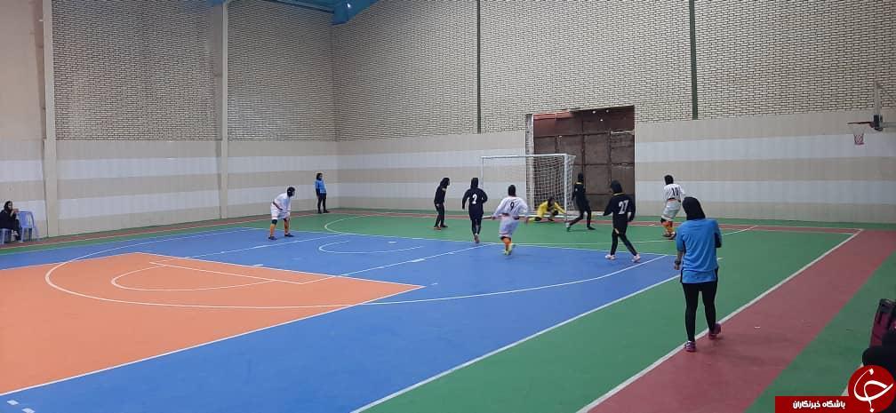 مسابقات فوتسال لیگ برتر بانوان استان کرمان آغاز شد