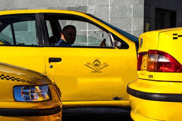 تکذیب اختصاص ۴۰۰ لیتر بنزین یارانهای به تاکسیهای بین شهری /بنزین تک نرخی نمی شود