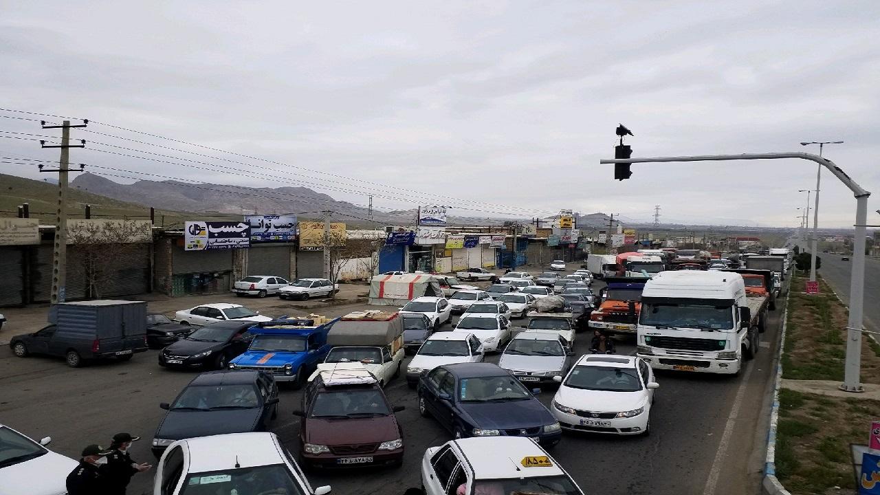 مسدود شدن راههای ورودی شهرستان آبیک