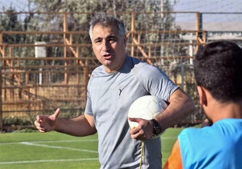 الهامی: فوتبال به اندازه جان انسان ها مهم نیست / تمرینات خانگی برای فوتبال حرفه ای کافی نیست